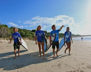 LETS GO SURFING BYRON BAY hero