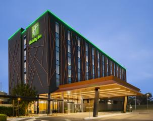 Holiday Inn Sydney St Marys hero